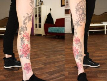 Ornamentik Blüten Tattoo von Laura gestochen - Tattoo & Piercing - Freiburg