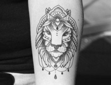 Löwe, von Laura gestochen - Blutkunst