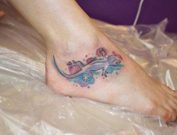 Gecko von Laura tätowiert - Tattoo Studio