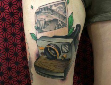 Polaroid Camping Tattoo neotrad neotraditional Blutkunst