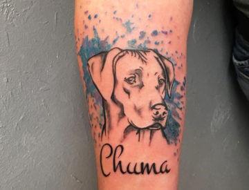 Hund von Laura gestochen - Blutkunst Tattoo Studio Freiburg